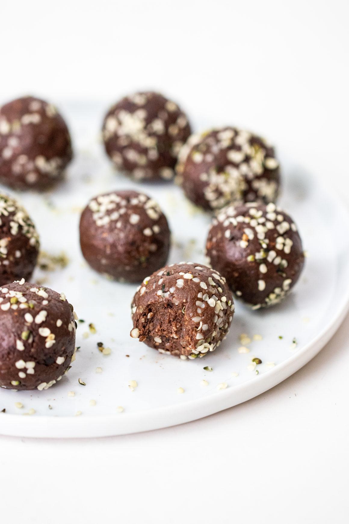 bolitas proteicas de brownie